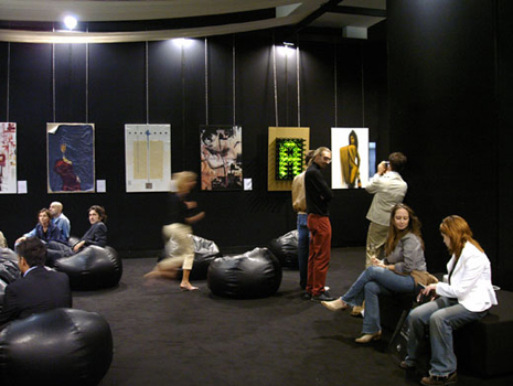 <div class=&quot;art-blockheader tit_gallery_sez&quot;> <div class=&quot;t titolopagina&quot;>moet-chandon</div> </div> <p>Milan fashion week, exhibition of the installation Countdown For Fashion, inside the Moet Chandon lounge and following charity auction at SHU premises of Milan.</p> <span class='fotocounter'>2|3</span><span class='fotocounter'></span>